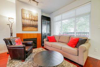 "Photo 5: 81 6878 SOUTHPOINT Drive in Burnaby: South Slope Townhouse for sale in ""CORTINA"" (Burnaby South)  : MLS®# R2369497"