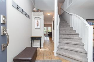 Photo 7: 23 Newstead Crescent in VICTORIA: VR Hospital Single Family Detached for sale (View Royal)  : MLS®# 410767