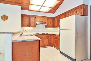 """Photo 6: 7670 229 Street in Langley: Fort Langley House for sale in """"FOREST KNOLLS"""" : MLS®# R2373639"""