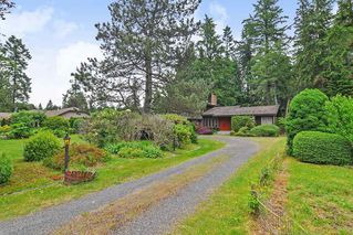 """Photo 2: 7670 229 Street in Langley: Fort Langley House for sale in """"FOREST KNOLLS"""" : MLS®# R2373639"""