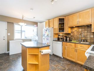 Photo 5: 3887 - 3889 GILPIN Street in Burnaby: Central Park BS House for sale (Burnaby South)  : MLS®# R2374925