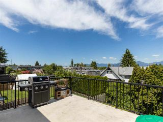 Photo 8: 3887 - 3889 GILPIN Street in Burnaby: Central Park BS House for sale (Burnaby South)  : MLS®# R2374925