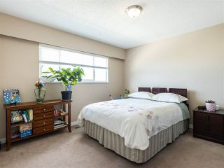 Photo 16: 3887 - 3889 GILPIN Street in Burnaby: Central Park BS House for sale (Burnaby South)  : MLS®# R2374925