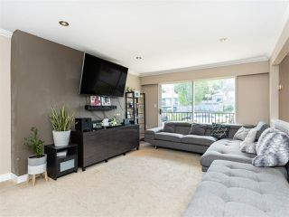 Photo 3: 3887 - 3889 GILPIN Street in Burnaby: Central Park BS House for sale (Burnaby South)  : MLS®# R2374925