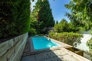 """Photo 19: 2796 BAYVIEW Street in Surrey: Crescent Bch Ocean Pk. House for sale in """"Crescent Beach"""" (South Surrey White Rock)  : MLS®# R2402471"""