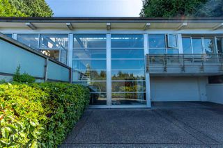 """Photo 2: 2796 BAYVIEW Street in Surrey: Crescent Bch Ocean Pk. House for sale in """"Crescent Beach"""" (South Surrey White Rock)  : MLS®# R2402471"""