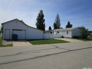 Photo 3: 1201 2nd Street West in Nipawin: Residential for sale : MLS®# SK785830