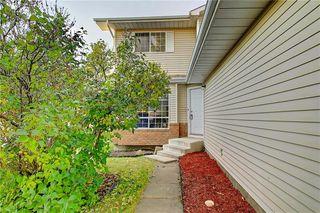 Photo 2: 233 RIVERGLEN DR SE in Calgary: Riverbend House for sale : MLS®# C4272152