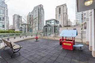 "Photo 17: 1502 565 SMITHE Street in Vancouver: Downtown VW Condo for sale in ""Vita"" (Vancouver West)  : MLS®# R2435057"
