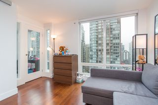 "Photo 12: 1502 565 SMITHE Street in Vancouver: Downtown VW Condo for sale in ""Vita"" (Vancouver West)  : MLS®# R2435057"