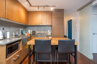 "Photo 3: 1502 565 SMITHE Street in Vancouver: Downtown VW Condo for sale in ""Vita"" (Vancouver West)  : MLS®# R2435057"