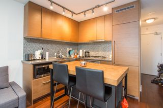 "Photo 2: 1502 565 SMITHE Street in Vancouver: Downtown VW Condo for sale in ""Vita"" (Vancouver West)  : MLS®# R2435057"