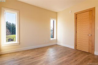 Photo 15: 301 2130 Sooke Road in VICTORIA: Co Hatley Park Row/Townhouse for sale (Colwood)  : MLS®# 421824