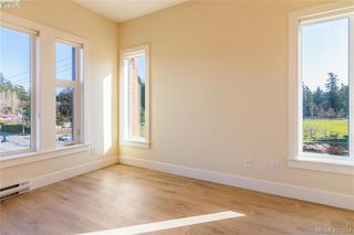 Photo 18: 301 2130 Sooke Road in VICTORIA: Co Hatley Park Row/Townhouse for sale (Colwood)  : MLS®# 421824