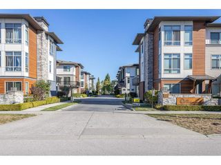 "Photo 3: 78 8473 163 Street in Surrey: Fleetwood Tynehead Townhouse for sale in ""The Rockwoods"" : MLS®# R2495289"