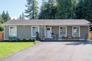 Photo 3: 20062 45A Avenue in Langley: Brookswood Langley House for sale : MLS®# R2496657