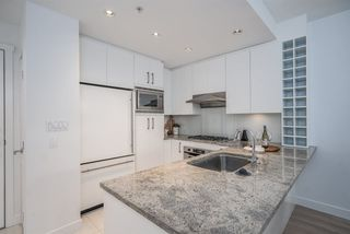 """Photo 6: 203 1468 W 14TH Avenue in Vancouver: Fairview VW Condo for sale in """"AVEDON"""" (Vancouver West)  : MLS®# R2511905"""