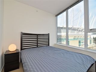"Photo 5: 1201 33 SMITHE Street in Vancouver: Yaletown Condo for sale in ""Coopers Lookout"" (Vancouver West)  : MLS®# V924404"
