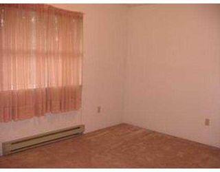 "Photo 7: 5 1406 BRUNETTE AV in Coquitlam: Maillardville Townhouse for sale in ""PLACE D'HERITAGE"" : MLS®# V582461"