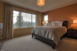 Photo 13: 2477 Selkirk Drive in Kelowna: Other for sale : MLS®# 10046968