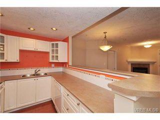 Photo 8: 105 380 Waterfront Cres in VICTORIA: Vi Rock Bay Condo Apartment for sale (Victoria)  : MLS®# 686271