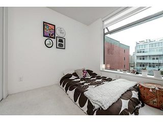 "Photo 10: 611 66 W CORDOVA Street in Vancouver: Downtown VW Condo for sale in ""60 W CORDOVA"" (Vancouver West)  : MLS®# V1104399"