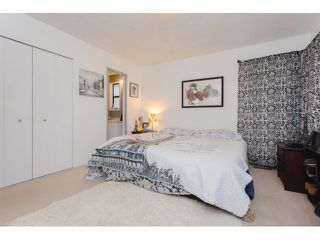 "Photo 11: 18110 58A Avenue in Surrey: Cloverdale BC House for sale in ""CLOVERDALE"" (Cloverdale)  : MLS®# F1437527"