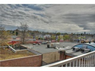 Photo 12: 402 1025 Hillside Ave in VICTORIA: Vi Hillside Condo Apartment for sale (Victoria)  : MLS®# 698158