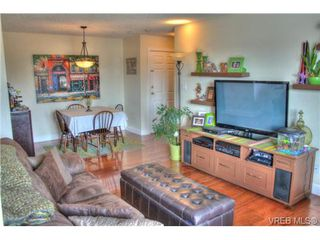 Photo 9: 402 1025 Hillside Avenue in VICTORIA: Vi Hillside Condo Apartment for sale (Victoria)  : MLS®# 349453