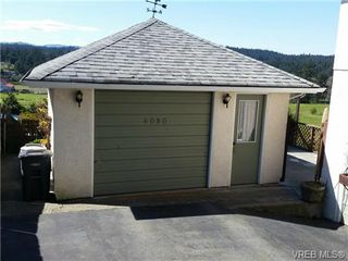 Photo 2: 4090 Holland Ave in VICTORIA: SW Strawberry Vale House for sale (Saanich West)  : MLS®# 699469