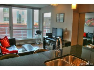 Photo 2: 505 834 Johnson St in VICTORIA: Vi Downtown Condo for sale (Victoria)  : MLS®# 700650