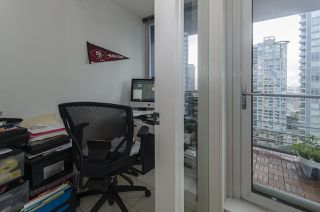 "Photo 6: 1907 602 CITADEL PARADE in Vancouver: Downtown VW Condo for sale in ""SPECTRUM 4"" (Vancouver West)  : MLS®# R2042899"