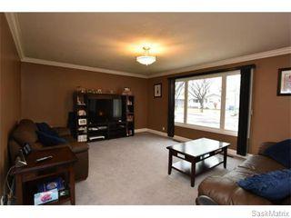 Photo 5: 67 MERLIN Crescent in Regina: Coronation Park Single Family Dwelling for sale (Regina Area 03)  : MLS®# 566828