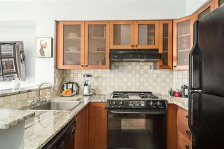 """Photo 6: 501 55 ALEXANDER Street in Vancouver: Downtown VE Condo for sale in """"55 ALEXANDER"""" (Vancouver East)  : MLS®# R2085330"""