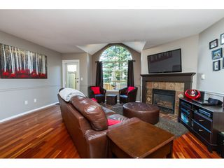 "Photo 3: 16 8855 212 Street in Langley: Walnut Grove Townhouse for sale in ""GOLDEN RIDGE"" : MLS®# R2104857"