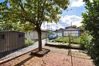 Photo 18: 2166 E 39TH Avenue in Vancouver: Victoria VE House for sale (Vancouver East)  : MLS®# R2119233