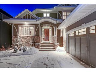 Main Photo: 46 WEXFORD Crescent SW in Calgary: West Springs House for sale : MLS®# C4094336