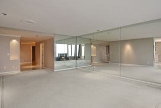 Photo 3: 201 15050 PROSPECT Avenue: White Rock Condo for sale (South Surrey White Rock)  : MLS®# R2135776