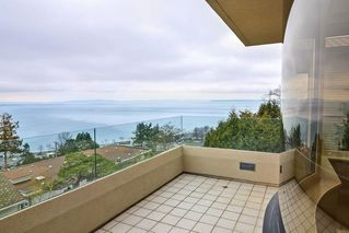 Photo 11: 201 15050 PROSPECT Avenue: White Rock Condo for sale (South Surrey White Rock)  : MLS®# R2135776