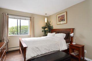 "Photo 15: 106 1444 MARTIN Street: White Rock Condo for sale in ""Martinview Manor"" (South Surrey White Rock)  : MLS®# R2158533"