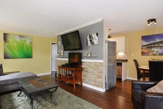 "Photo 5: 106 1444 MARTIN Street: White Rock Condo for sale in ""Martinview Manor"" (South Surrey White Rock)  : MLS®# R2158533"