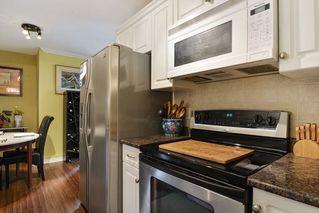 "Photo 10: 106 1444 MARTIN Street: White Rock Condo for sale in ""Martinview Manor"" (South Surrey White Rock)  : MLS®# R2158533"