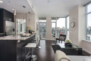 "Photo 7: 908 38 W 1ST Avenue in Vancouver: False Creek Condo for sale in ""THE ONE"" (Vancouver West)  : MLS®# R2164655"