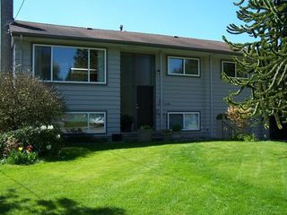 Photo 1: 13790 BLACKBURN Ave in South Surrey White Rock: Home for sale : MLS®# F1310728
