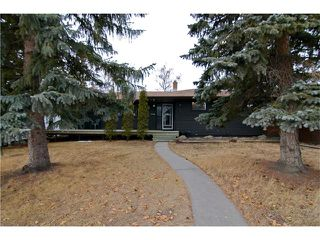 Photo 1: 2203 45 ST SW in Calgary: Glendale House for sale : MLS®# C4101882