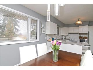 Photo 10: 2203 45 ST SW in Calgary: Glendale House for sale : MLS®# C4101882