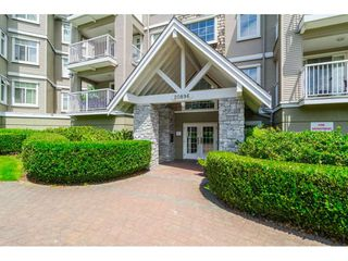 "Photo 2: 305 20896 57 Avenue in Langley: Langley City Condo for sale in ""BAYBERRY LANE"" : MLS®# R2214120"