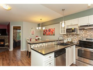 "Photo 10: 305 20896 57 Avenue in Langley: Langley City Condo for sale in ""BAYBERRY LANE"" : MLS®# R2214120"