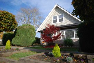 Photo 1: 5806 QUEBEC Street in Vancouver: Main House for sale (Vancouver East)  : MLS®# R2218037