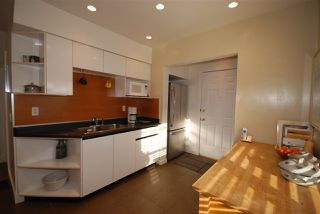 Photo 8: 5806 QUEBEC Street in Vancouver: Main House for sale (Vancouver East)  : MLS®# R2218037